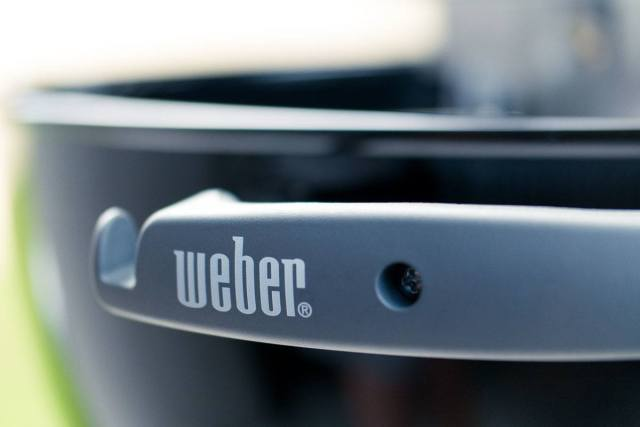 Weber Original Kettle Grill Review - Handle and Logo
