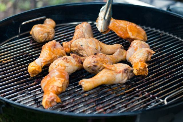 Chicken Wings on the Weber Original Kettle Grill Review