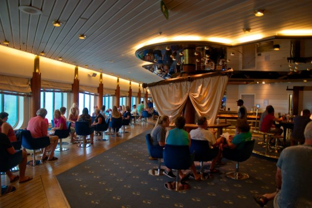 Royal Caribbean Majesty of the Seas - The Schooner Bar