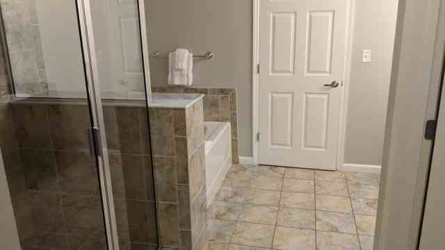 The Grove Resort Orlando - Rooms and Suites - 2 Bedroom Master Bath