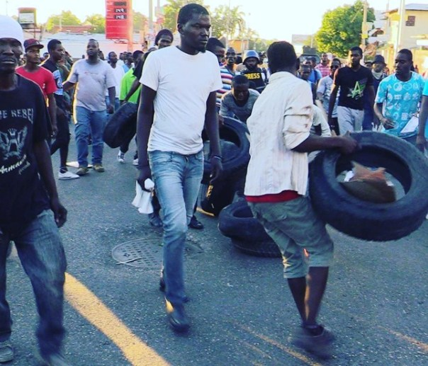 28nov2016_haiti_protest_a