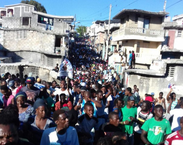 28nov2016_haiti_protest_b
