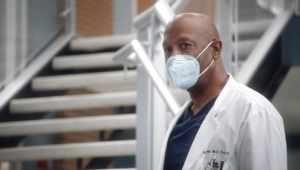 Anatomía según Grey: 17×2 – Latino HD 1080p – Online