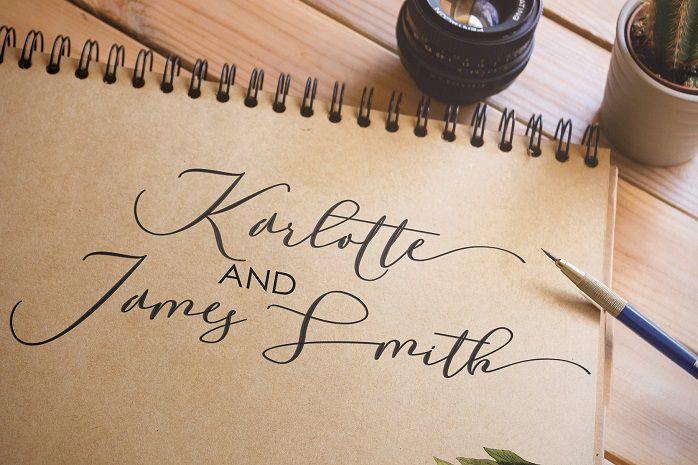 Laurretta Calligraphy Font-1