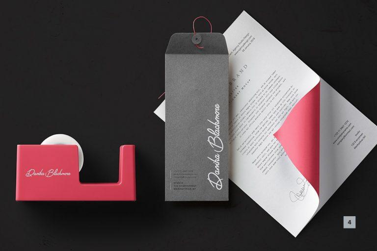 Riviera Signature Font-1
