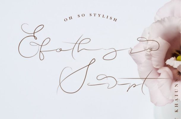 Efothyro Script Font