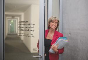 Dagmar-Woehrl-Ausschuss-wirtschaftliche-Zusammenarbeit-und-Entwicklung