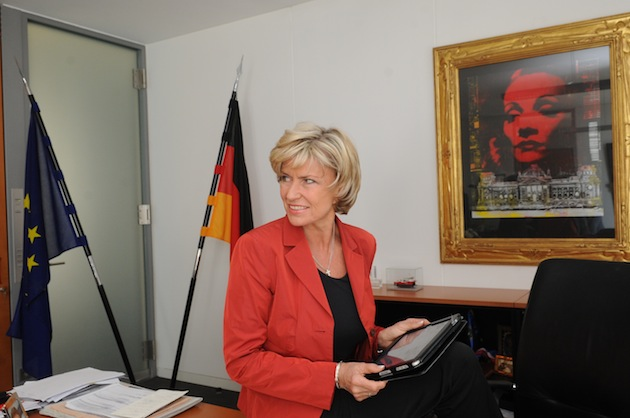 Dagmar Wöhrl Kontakt Formular Tablet