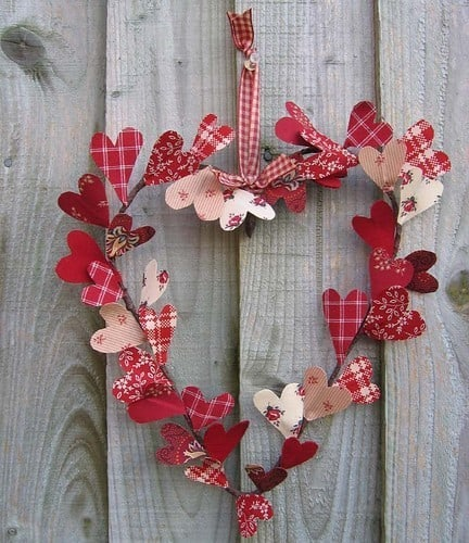 DagmarBleasdale.com: Valentine's Day heart wreath with fabric hearts