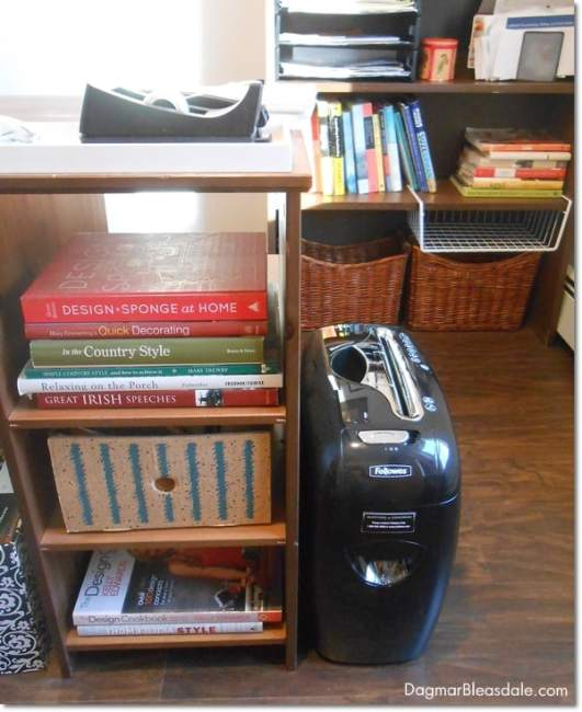 Fellowes M-12C Shredder