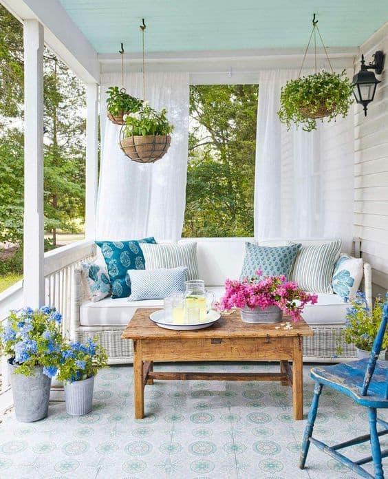 porch decorating ideas for spring, DagmarBleasdale.com