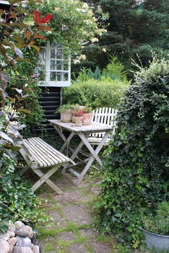 Cottage garden ideas from pinterest for our blue cottage ...