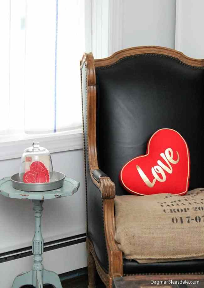 Valentine's Day decor in cottage, DagmarBleasdale.com