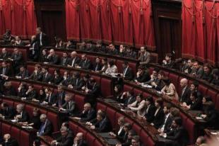 Banchi con deputati del M S alla Camera jpeg