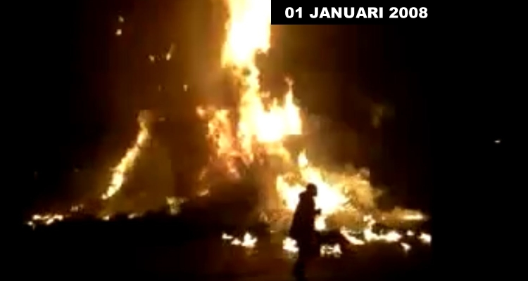 Burning Christmas Tree.Explosion At Annual Christmas Tree Burning Vlaardingen