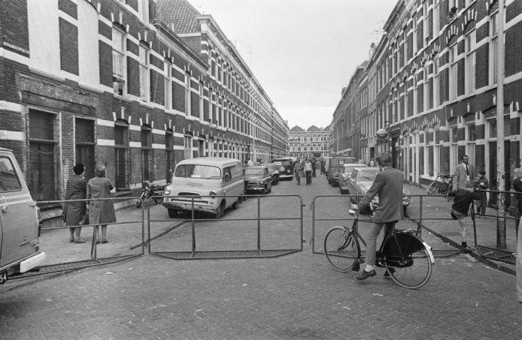 Jan de Baenstraat in the Hague Schilderswijk. Foto: Joost Evers, National Archives / Anefo