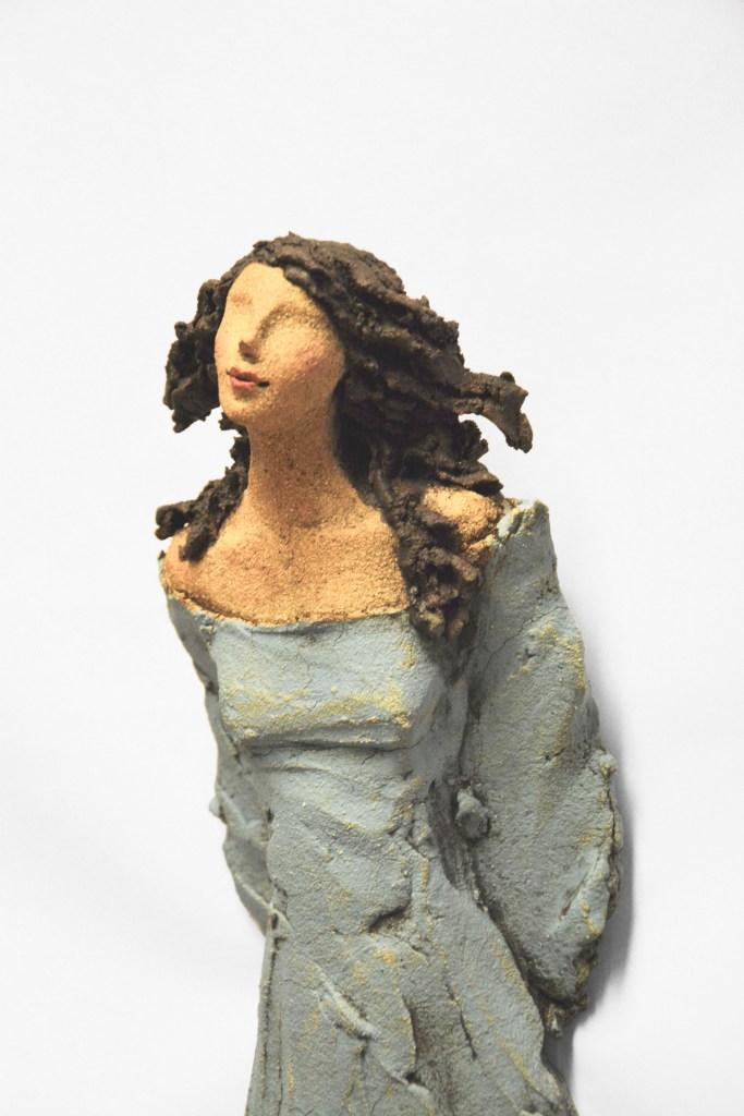 Veggdame, skulptur, keramikk, Ingun Dahlin