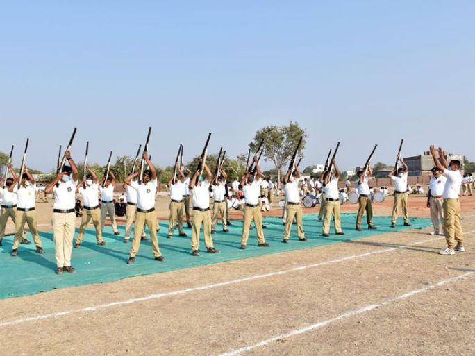72મા પ્રજાસત્તાક દિને પરેડમાં વોલી ફાયરિંગનું આકર્ષણ રહેશે - Divya Bhaskar