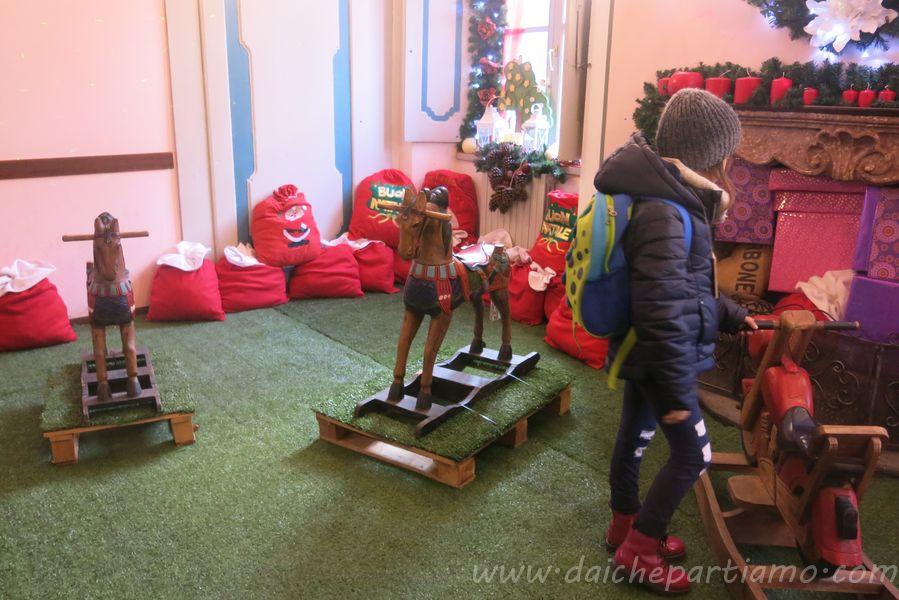 Palazzo cattaneo, ribattezzato per l'occasione casa bergamasca di babbo natale. La Casa Bergamasca Di Babbo Natale A Gromo Dai Che Partiamo Travel Blog