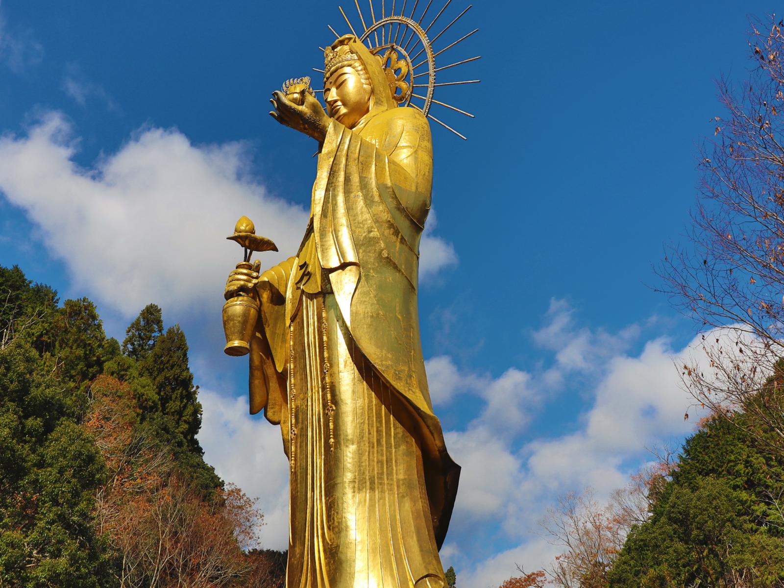 大観音寺の四季「秋」純金大観音