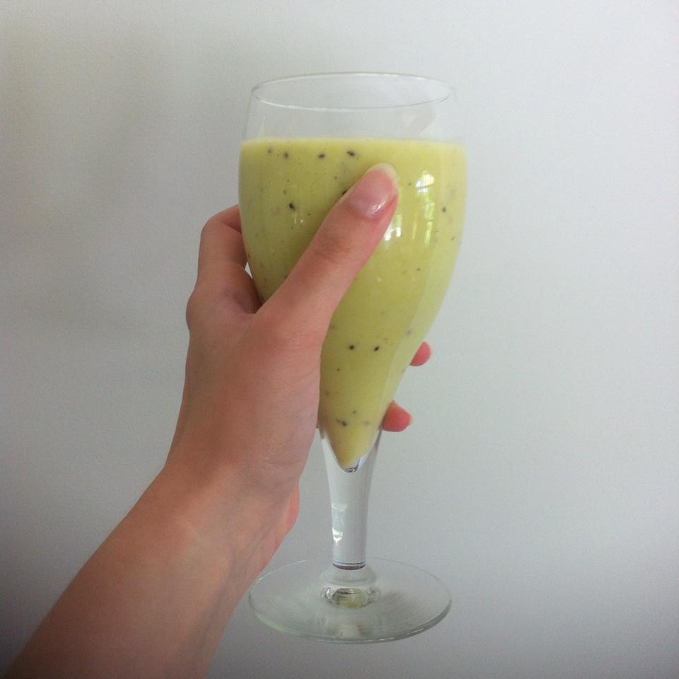 Green smoothie-dailyaboutclo