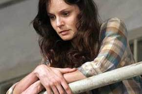 sarah-wayne-callies-walking-dead