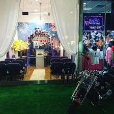 Wedding Chapels in Las Vegas - littleneonchapel2