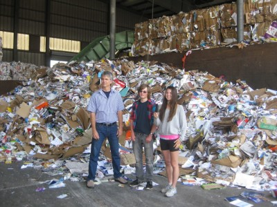 BHS-students-at-dump-1024x768
