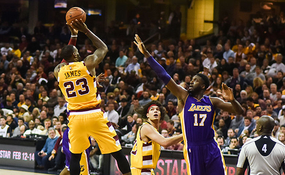 070980661a7a Showtime LeBron  Takeways from his Lakers preseason debut