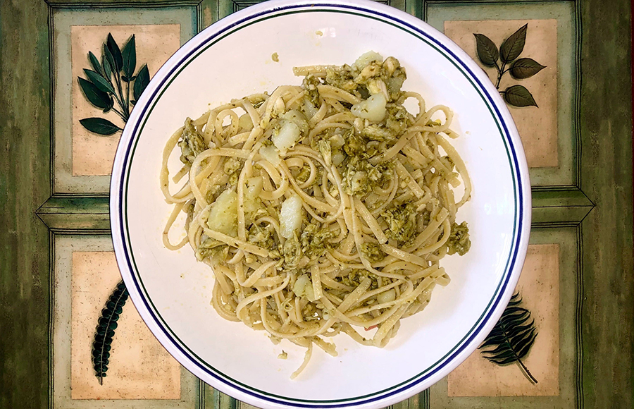 Dinner in 20 minutes: A delicious pesto chicken pasta recipe
