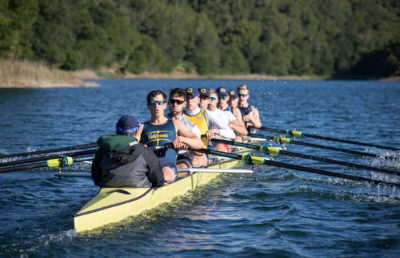 photo of the Cal men's rowing team