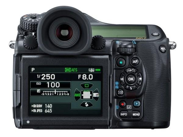 pentax-645z-medium-format-camera-02