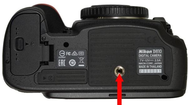 Nikon-D810-service-advisory-for-thermal-issue-white-dots