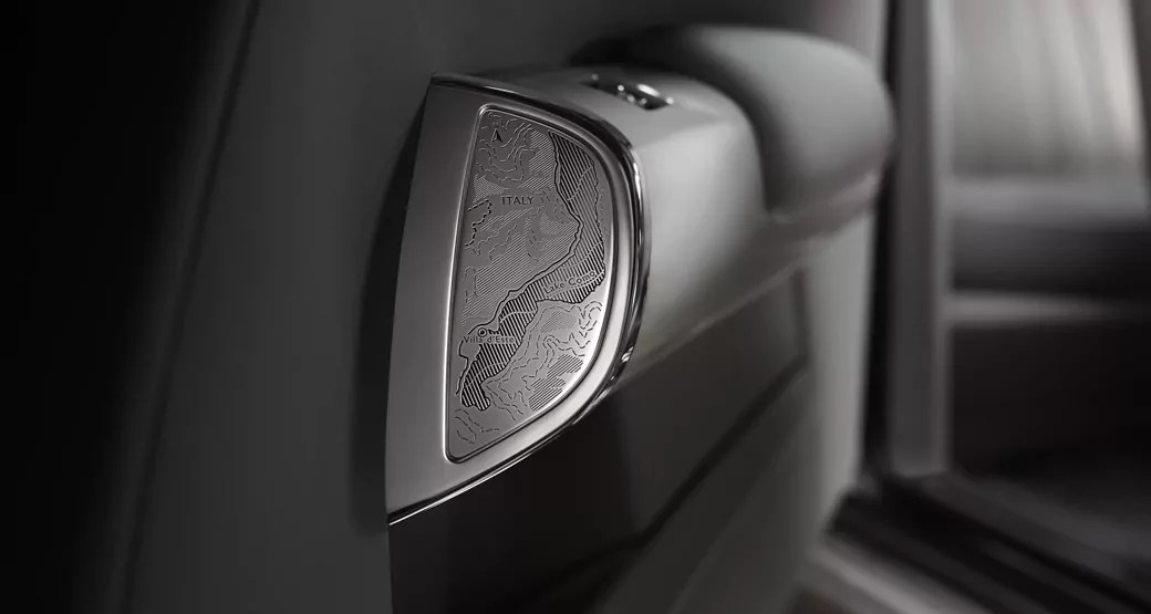 Rolls-Royce-Phantom-VII-Zenith-Edition-Door-Engraving