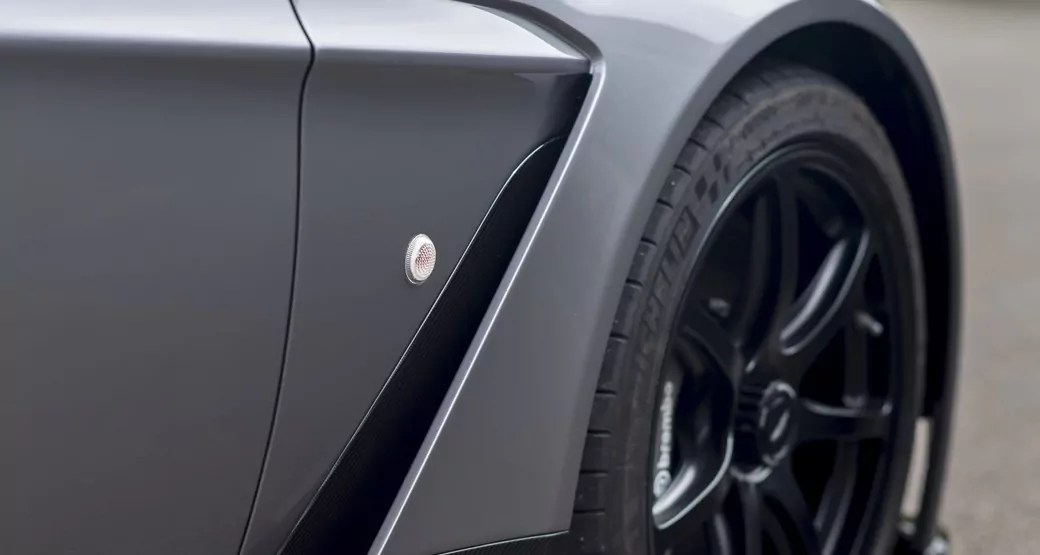 Aston-Martin-GT12-Roadster-Front-Wing-Air-Scoop