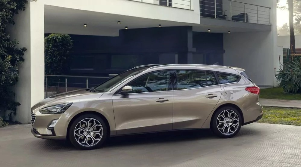 https://i1.wp.com/www.dailycarblog.com/wp-content/uploads/2018/04/Ford-Subaru-Focus-Estate-2018-Dailycarblog.jpg?resize=998%2C555
