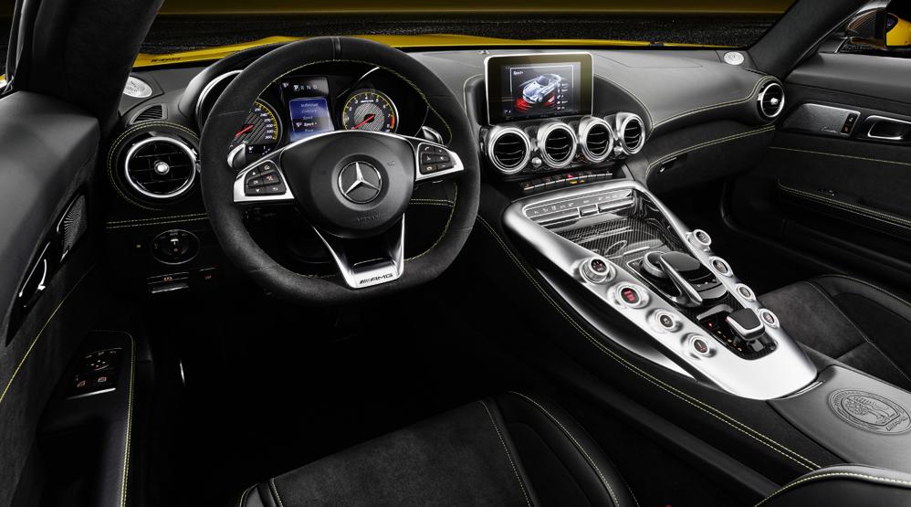 Mercedes-AMG-GT-S-Roadster-Interior-Dailycarblog