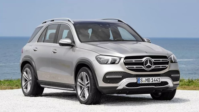 Mercedes Benz GLE, Y 2019, front angle view, dailycarblog.com
