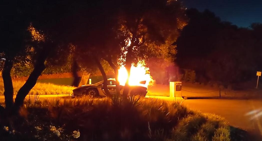 Burns Auto Group >> Salomondrin... Burn McLaren Senna Burn And It Did, Why Did Catch Fire?