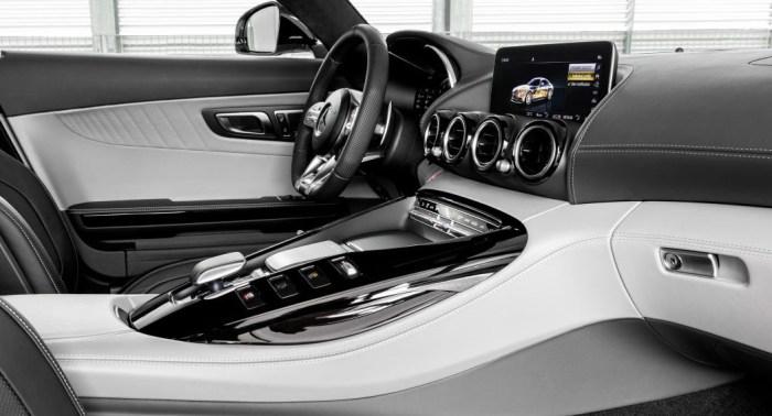 Mercedes AMG GT 2019 refresh, interior, dailycarblog.com