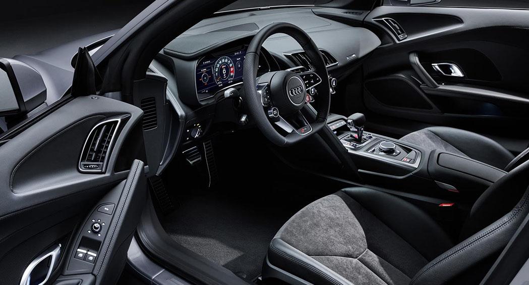 2019 Audi R8 RWD interior Dailycarblog