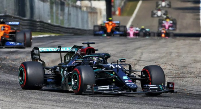 2020 Italian GP, Hamilton leads, Race Report Dailycarblog