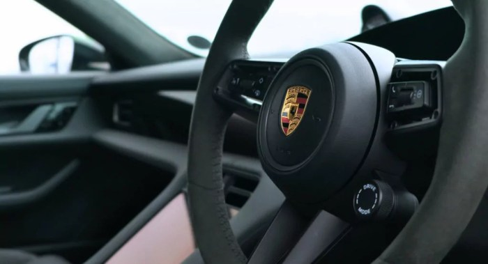 Porsche Taycan 2020 Review - 011 - Daily Car Blog -