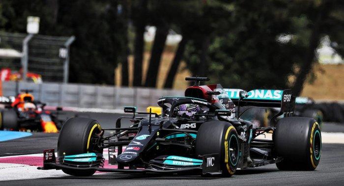 2021 French Grand Prix - Hamilton leads - dailycarblog