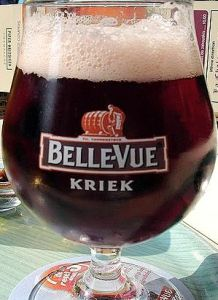 English: Kriek, a beer brewed with cherries (Photo credit: Wikipedia)