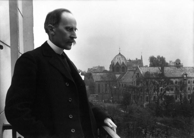 Romain_Rolland_au_balcon,_Meurisse,_1914 - копия.jpg