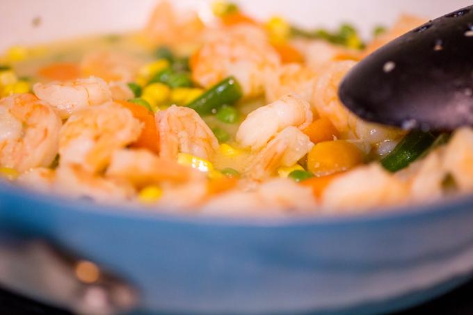 Kids in the Kitchen: Garlic Shrimp Veggies and Rice #BensBeginners