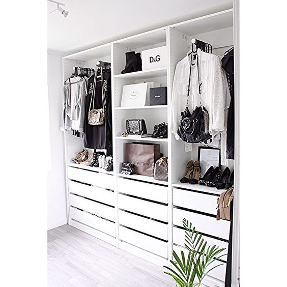 8 Amazing Blacku0026White Closets Spotted On Instagram