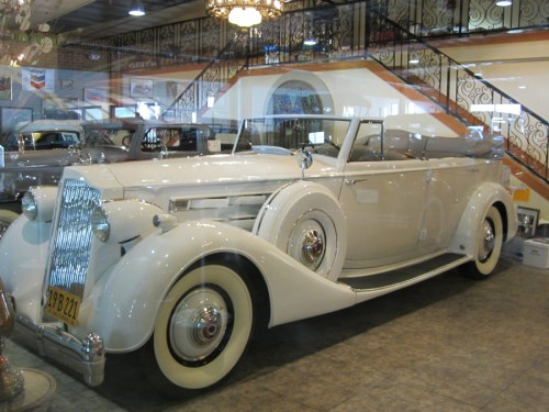 Packard_1936_12_Cylinder_Convertible_Sedan