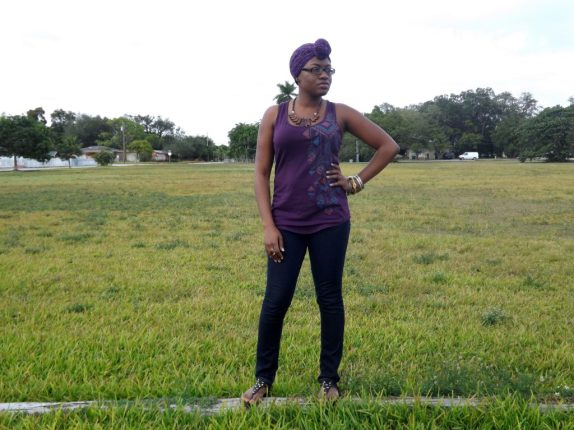 Me in a field, black fashion bloggers, outfit for running errands, how to wear a head wrap, black bloggers in miami